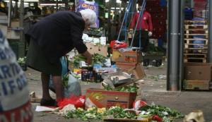 nonna ruba caramelle supermercato pagano carabinieri