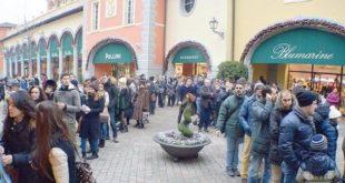 Le aperture festive, l'Outlet di Serravalle e il grande imbroglio di Cgil-Cisl-Uil