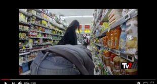 Nei supermercati lavorano i figli di un Dio minore