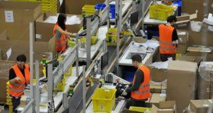 """Amazon, parla l'ex lavoratore: siamo solo """"usa e getta""""."""