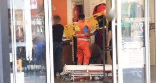 Commessa dell'OVS accusa malore e sbatte violentemente la testa: ritardo nei soccorsi