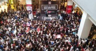 Coronavirus, scuole chiuse: tutti al centro commerciale
